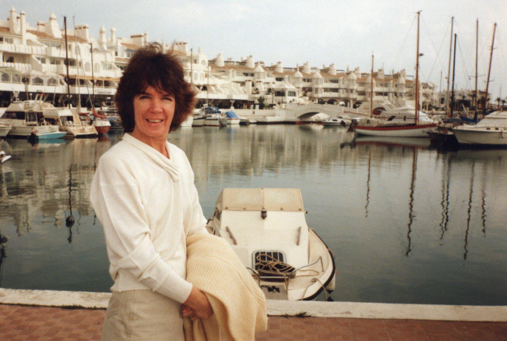 Mary Wormley - Tina's mum