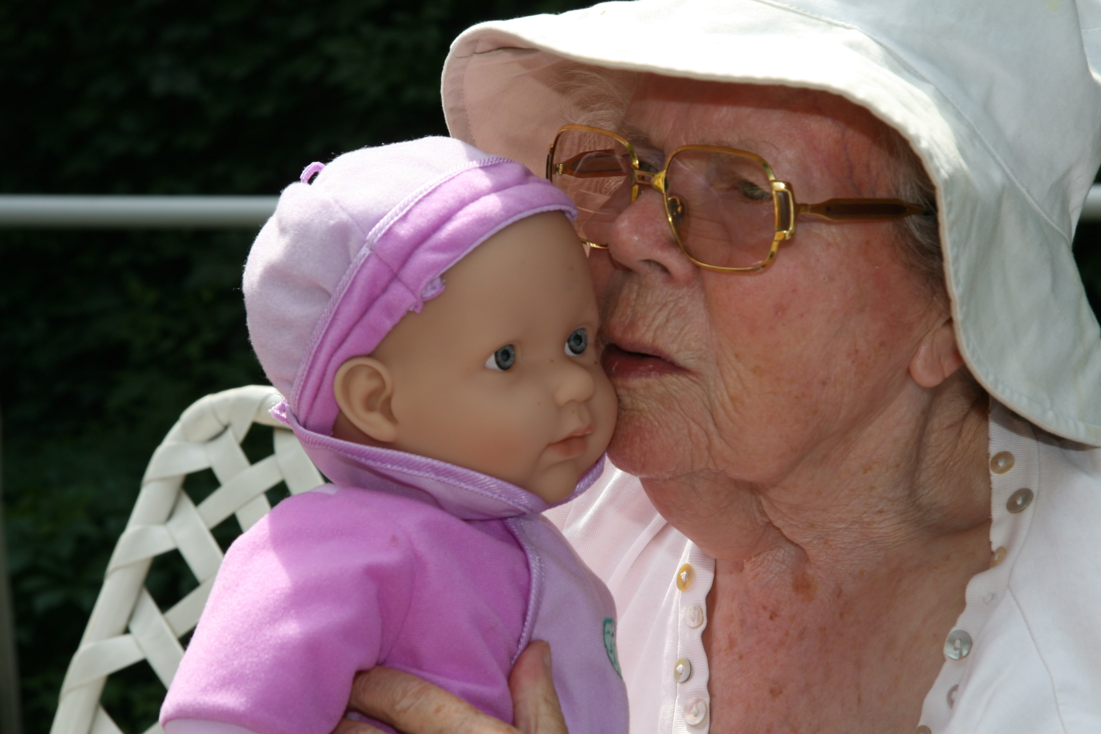 The-use-of-dolls-in-dementia-care