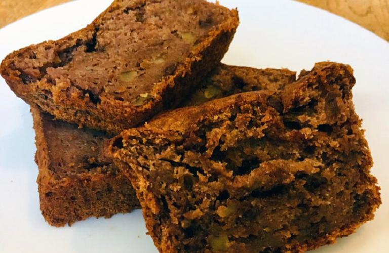 Gluten free banana, walnut and chocolate loaf cake recipe