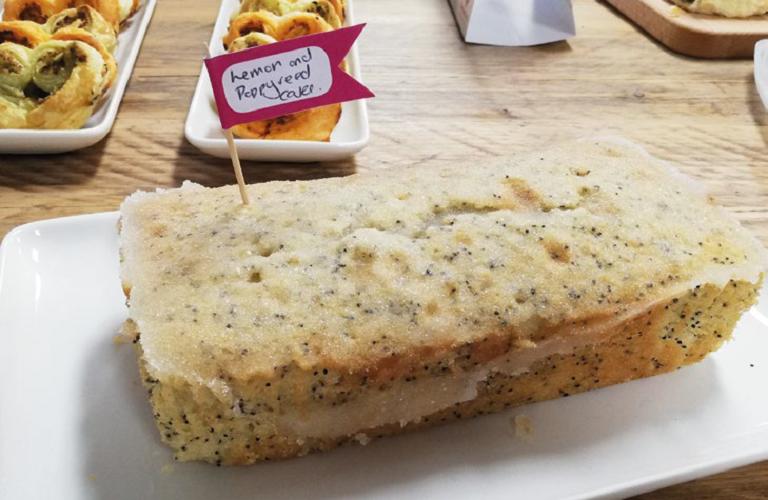 Lemon and Poppyseed drizzle recipe
